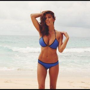 TRIANGL bikini top - size S